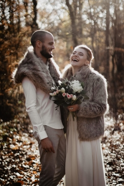006A1367Viking-wedding